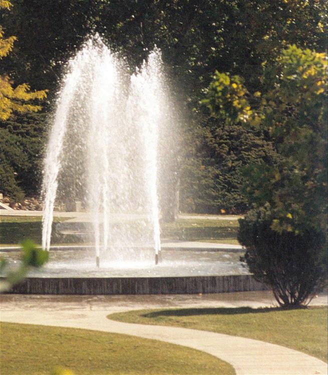 Oregon Tech fountain - picture taken in 2002