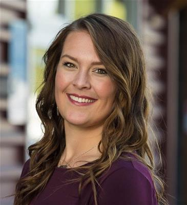 Jennifer Lyman Headshot