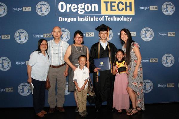 Ken Leung OIT-Seattle Graduation